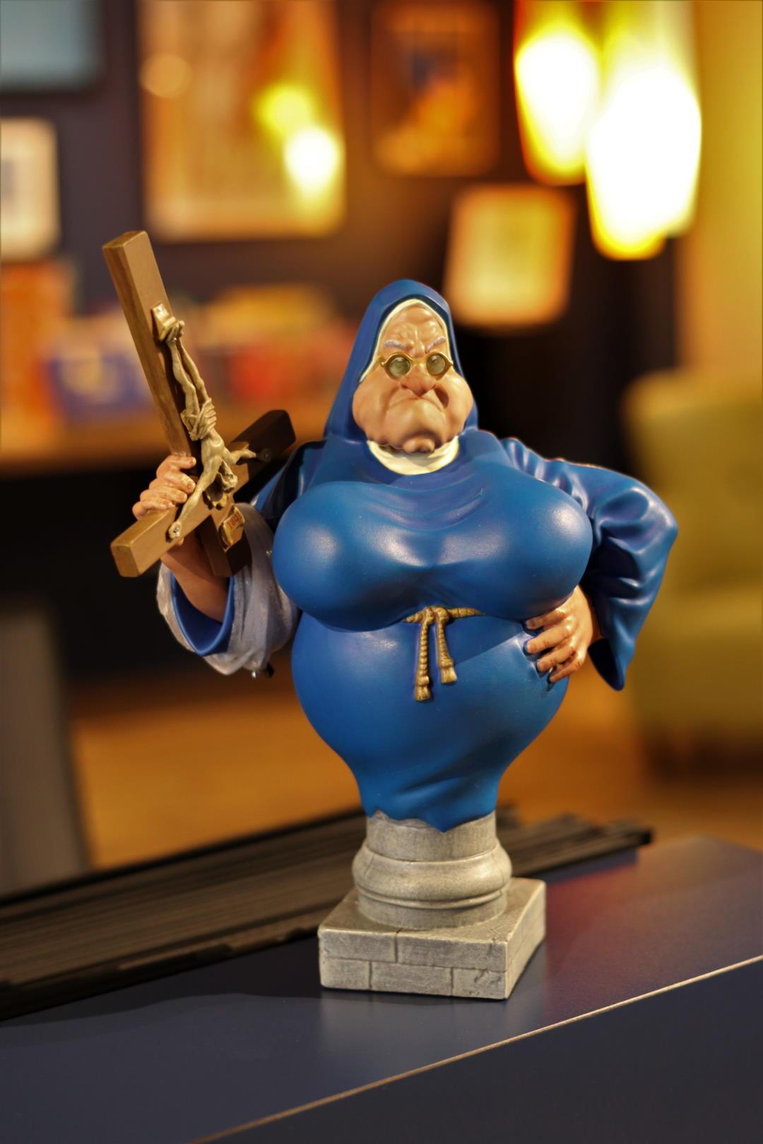figurine-soeur-marie-therese-des-batignolles-librairie-bulle